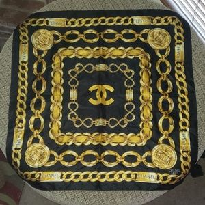 CHANEL - 31 RUE CAMBON PARIS (BLACK W/GOLD)